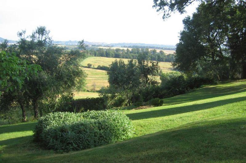 Villa con parco sulle colline in Toscana | findhouseitaly