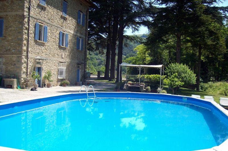 Villa e b b in vendita sull 39 appennino tosco romagnolo for Piani di cabina di 800 piedi quadrati